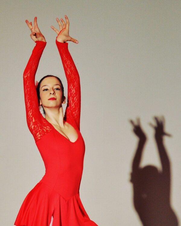 Yagmur Hazal Oguz dancing as