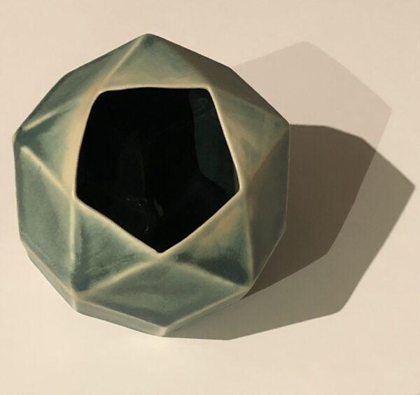 Pentagonal rhombic vase