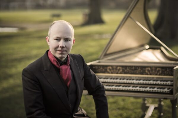 Pawel Siwczak and his harpsichord in Wandsworth Common