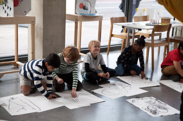 Creative Workshop in the Dyson Gallery, Battersea. Photographer: Laura Besancon